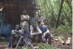 Výzkumný tým v horském lese v oblasti Mt. Kagalalo v jižní Bougainville, zcela vpravo dole vedoucí týmu Milan Janda. Výzkumný tým v horském lese v oblasti Mt. Kagalalo v jižní Bougainville, zcela vpravo dole vedoucí týmu Milan Janda.